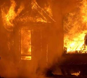 Östra sidan brinner