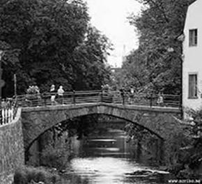 Dombron 1760, stadens äldsta bro